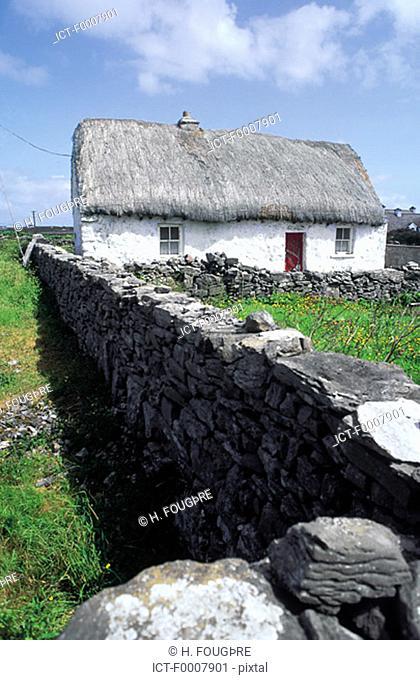 Ireland, Aran Islands, Inishmore, traditional house