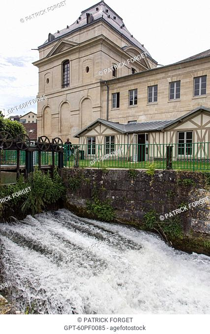 NONETTE RIVER AND THE SLUICE GATES IN FRONT OF THE MANSE PAVILION OR MILL OF THE PRINCES, BUILDING CONSTRUCTED BY JULES HARDOUIN-MANSART IN THE 17TH CENTURY TO...