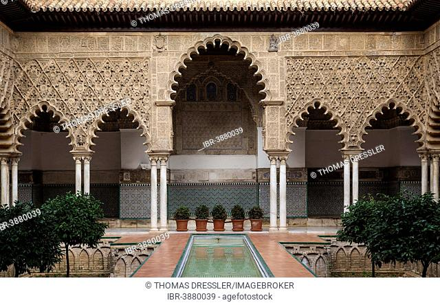 Courtyard of the Maidens, Patio de las Doncellas, Alcázar of Seville, Seville province, Andalusia, Spain