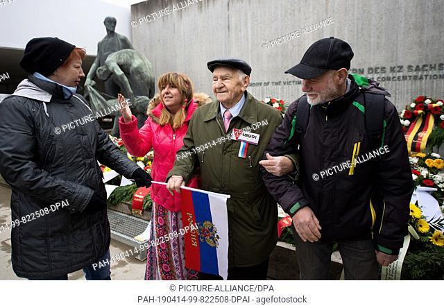 14 April 2019, Brandenburg, Oranienburg: Ivan Paniukhno (2nd from right), survivor of the Sachsenhausen concentration camp, and his companions