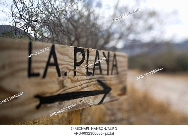 A sign that reads the beach in spanish in Loreto, Baja California Sur, Mexico