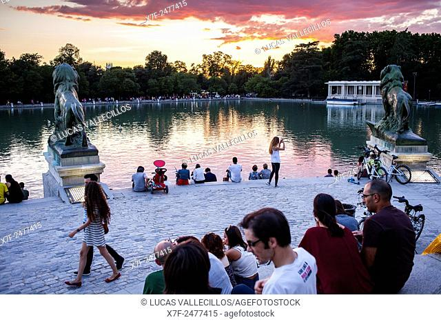 Lake, in Retiro Park. Madrid. Spain