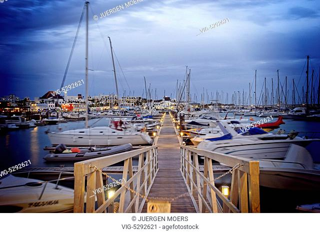 11.01.2015, Spain, ESP, Canary Islands, Lanzarote, Evening at the new Marina Rubicon at Playa Blanca. - Playa Blanca Lanzarote Kanarisch, Spain, 11/01/2015