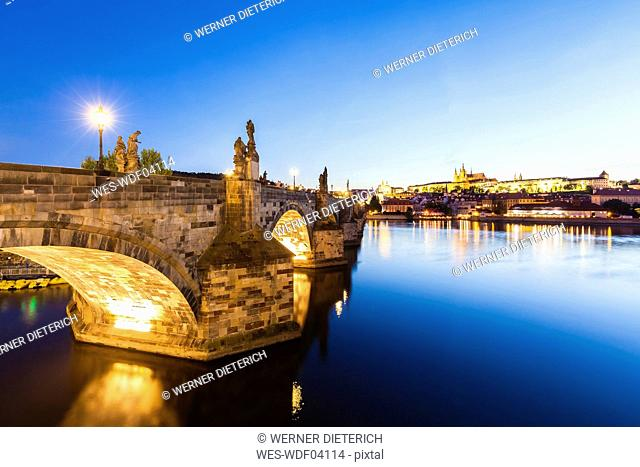 Czech Republic, Prague, Hradcany, Charles Bridge and Vltava