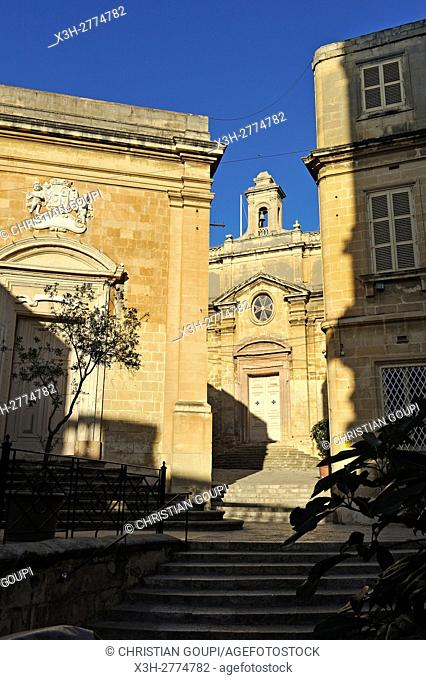 Oratory of the Holy Cross and Oratory of St. Joseph in the background, Birgu (Vittoriosa), Three Cities, Malta, Southern Europe