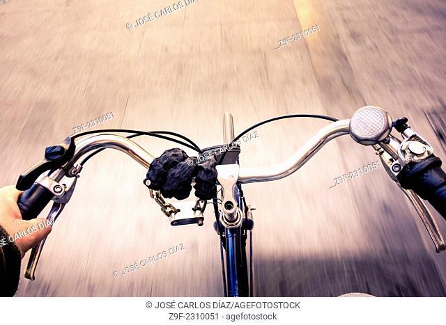 Handlebar while I circle my bike, Valencia, Spain