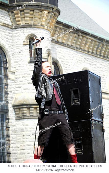 Seike Clowniac Lead singer for Kerbera performs at Inkcarceration 2019