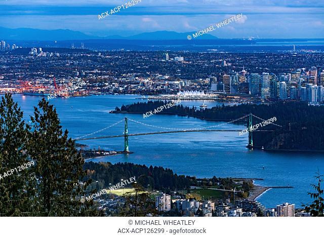 Lions Gate Bridge, Burrard Inlet, Vancouver, British Columbia, Canada