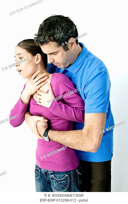 First aid techniques. In case of choking, perform a maximum of 5 abdominal thrusts, also known as the Heimlich maneuver, to dislodge the article from the airway