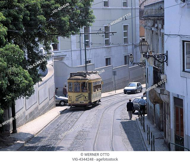 Portugal, P-Lissabon, Altstadt (Alfama), Strassenbahn Portugal, P-Lisbon, old town (Alfama), tram - Lissabon, Portugal, 01/01/2014