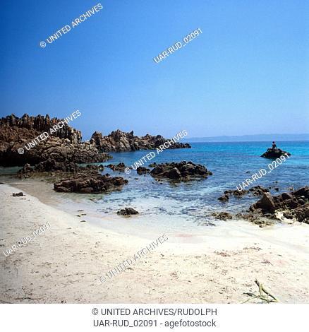Urlaub in Nordsardinien auf der Insel Budelli, Italien 1970er Jahre. Vacation in Northern Sardinia on the island Budelli, Italy 1970s