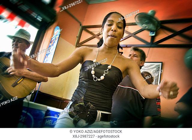 cuba, havana, sound in the bar