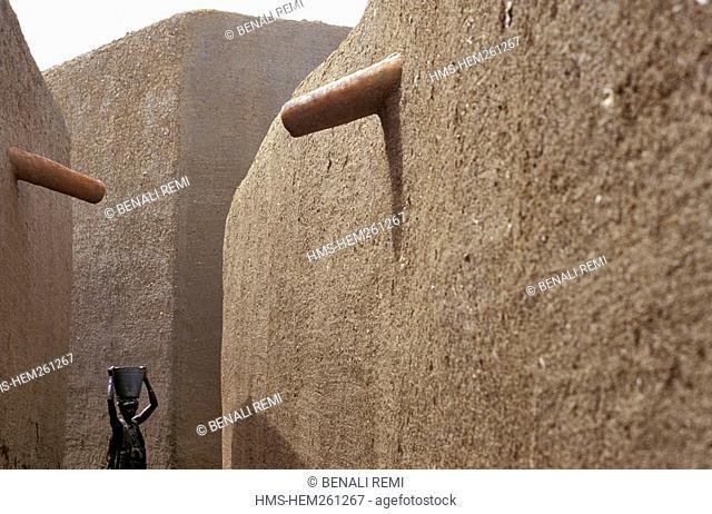 Mali, Mopti Region, Djenne, listed as World Heritage by UNESCO, a street