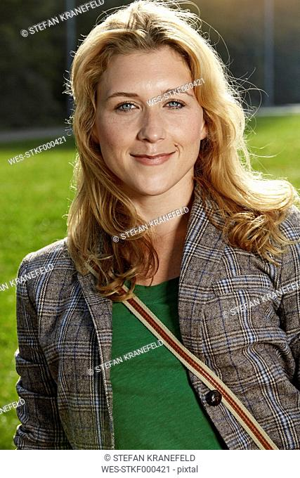 Germany, Dusseldorf, Young woman, portrait