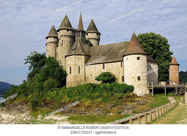Val Castle, Cantal, pays d'Artense, Auvergne-Rhône-Alpes, France