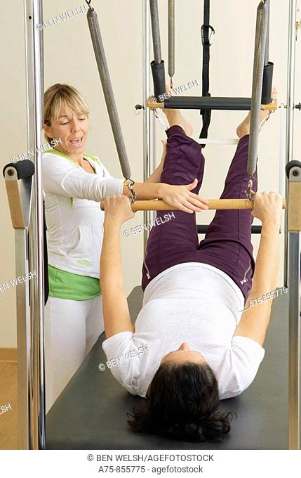Mature woman training at gim