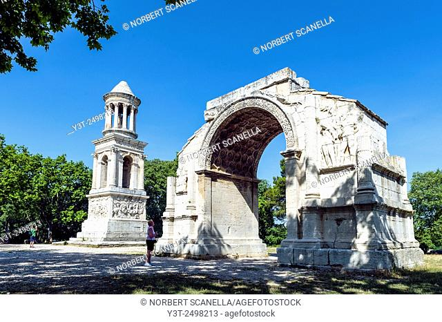 Europe. France. Bouches-du Rhone. Saint-Remy-de-Provence. Glanum. Roman historical site. Mausoleum and Triumphal Arch of the Roman Town of Glanum