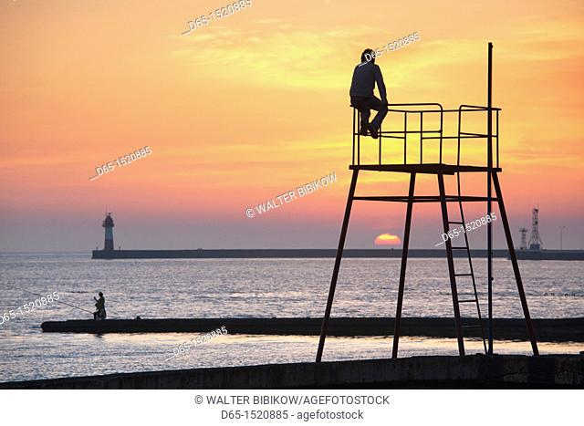 Russia, Black Sea Coast, Sochi, Lighthouse Beach, silhouettes, sunset, NR