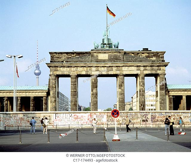 Berlin Wall in front of Brandenburg gate. Berlin. Germany