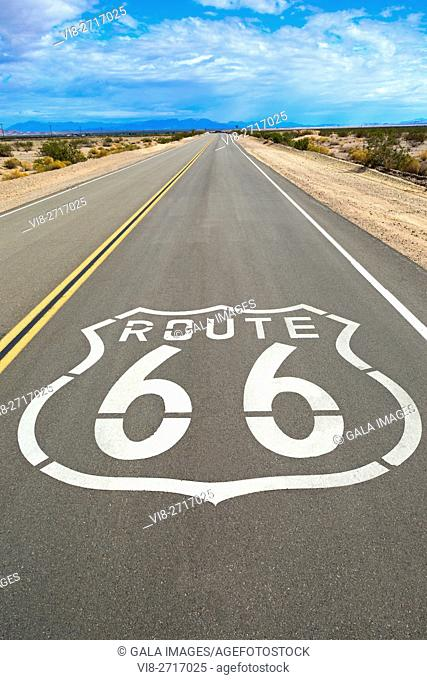 ROUTE 66 SHIELD NATIONAL TRAILS HIGHWAY AMBOY CALIFORNIA USA