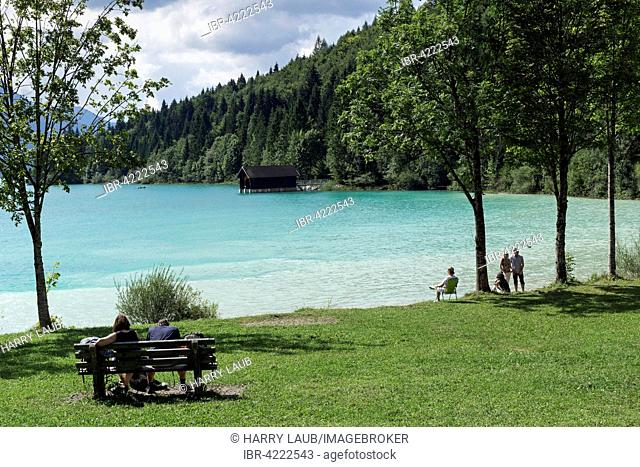 Turquoise blue water, Walchensee, people relaxing by the shore, Upper Bavaria, Bavaria, Germany