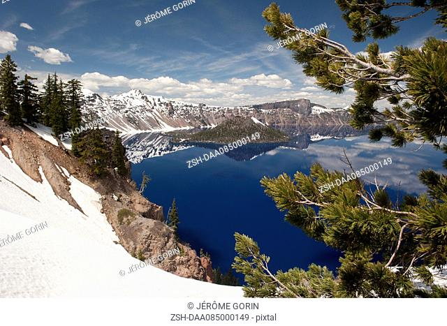 Scenic view of Crater Lake National Park, Oregon, USA