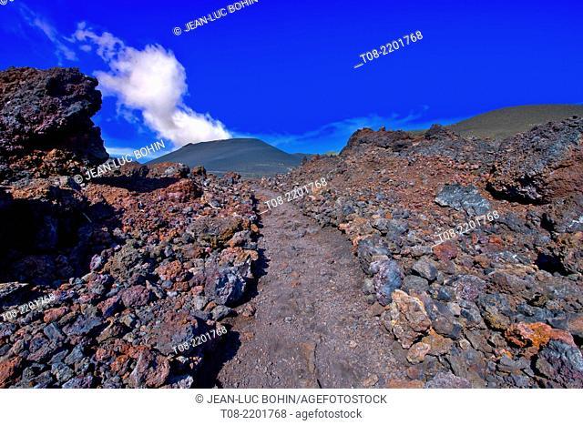 spain,canary islands, la palma : volcano teneguia, path