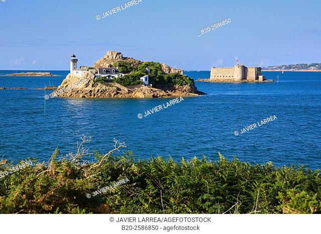 Lighthouse at Louet Island and  Chateau du Taureau in background, seen from Carantec, Morlaix Bay, Finistère, Bretagne, Brittany, France