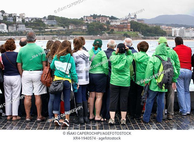Spectators watching a Drifter regatta, San Sebastian, Donostia, Gipuzkoa, Guipuzcoa, Basque Country, Spain