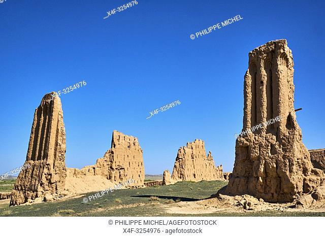Ouzbekistan, region de Karakalpakstan, les citadelles du desert, Zhampyk Qala / Uzbekistan, Karakalpakstan province, desert citadel, Zhampyk Kala