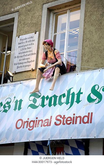 Germany, Bavaria, Munich, Steindl Costume Shop, fuer die Wiesn, Oktoberfest