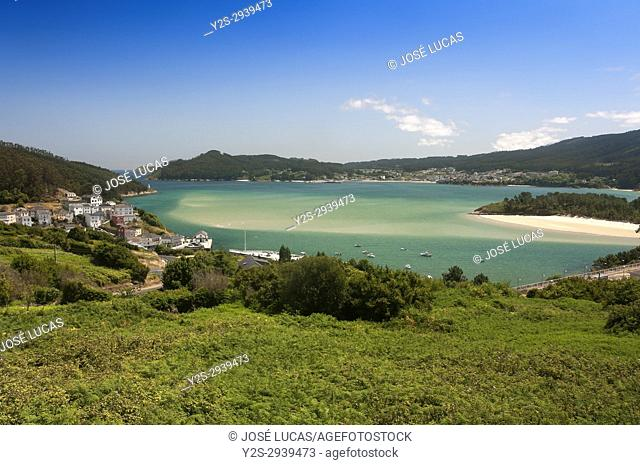 Village and estuary, O Porto do Barqueiro, Manon, La Coruna province, Region of Galicia, Spain, Europe