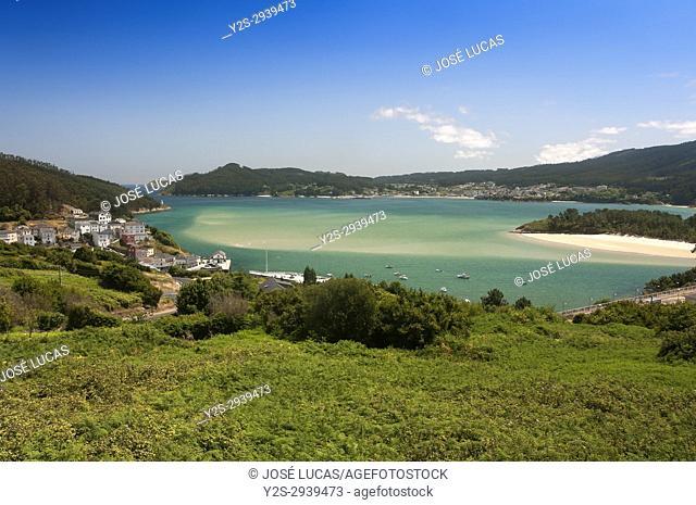 Village and estuary, O Porto do Barqueiro, Manon, La Coruna province, Region of Galicia, Spain, Europe