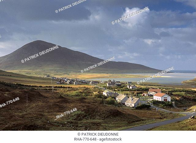 Northton Taobh Tuath and Chaipaval Hill, west coast, South Harris, Outer Hebrides, Scotland, United Kingdom, Europe