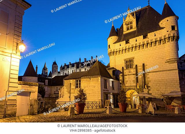 The Porte des Cordeliers and the Chateau de Loches in the background, Loches, Label City and Country of Art and History, Indre-et-Loire Department