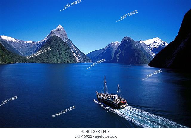Aerial Photo, Milford Sound, Fiordland National park, South Island, New Zealand