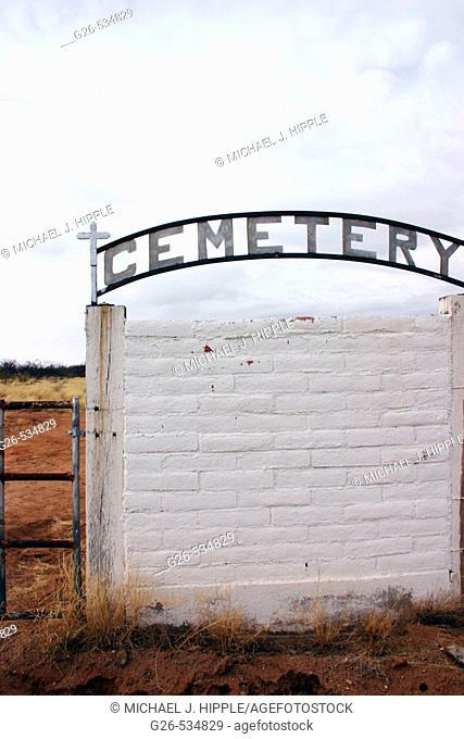 USA, Arizona, Old cemetery gates outside ghost town of Gleeson