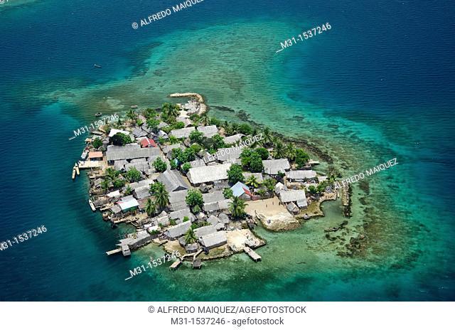 Aerial view of island village at Kuna Yala  San Blas archipelago, Caibbean, Panama, Central America