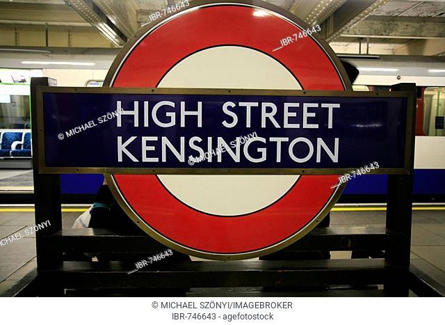 High Street Kensington tube station (Circle Line), underground logo, London, England, UK