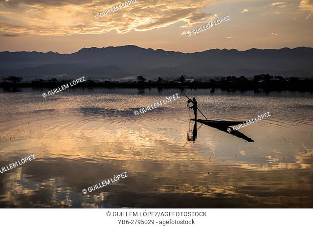 Fisherman working at the Tharzi Pond in Nyaungshwe, Myanmar
