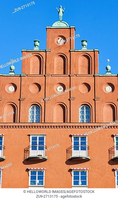 Naked female figure on roof of residential building, Norr Malarstrand, Kungsholmen, Stockholm, Sweden, Scandinavia
