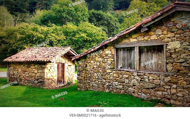 Cabins in La Muriosa, Sierra de Peñamayor, Piloña municipality, Asturias, Spain