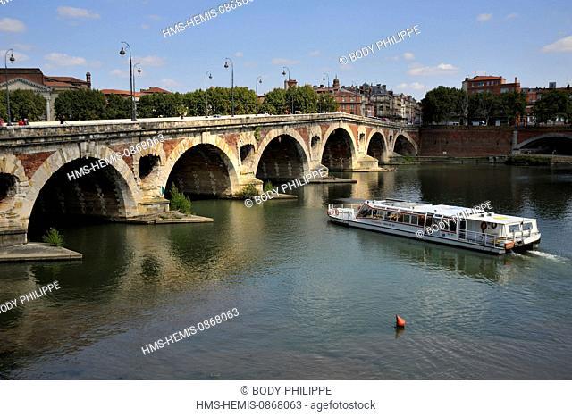 France, Haute Garonne, Toulouse, Pont Neuf over Garonne River