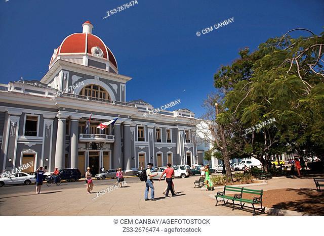Tourists in Parque José Martí in front of the Palacio del Gobierno-Goverment House, Cienfuegos, Cuba, Central America