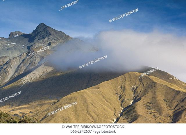 New Zealand, South Island, Canterbury, Aoraki-Mt. Cook National Park, mountain mist, dawn