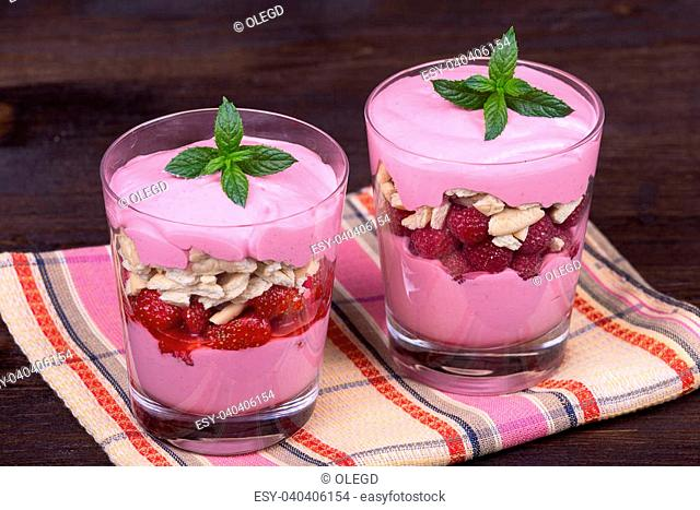 Strawberry and raspberry smoothie with cream cheese