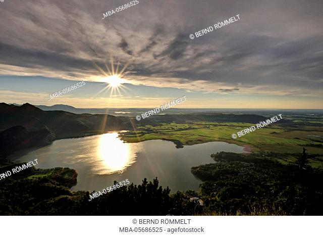 Germany, Bavaria, Upper Bavaria, Tölzer country, Bavarian Alpine foothills, view of the solar spike on Kochelsee and Kochelmoos, Kochler moss, Kochler Moore