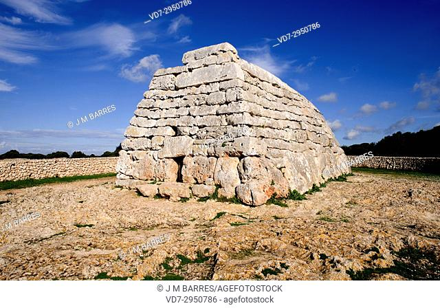 Naveta des Tudons, megalithic chamber tomb (Pre-talaiotic age). Minorca Biosphere Reserve, Balearic Islands, Spain