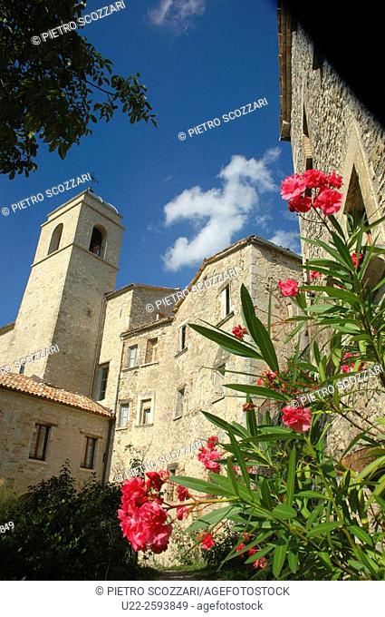 Italy, Emilia Romagna, Pennabilli, old houses and church in the town's center