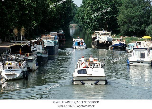 Canal du Midi at Agde, Herault